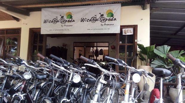 Sewa sepeda di sekitar Candi Borobudur