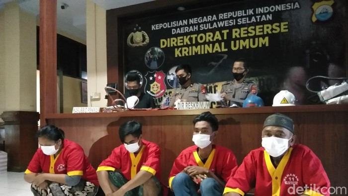 Sindikat maling kabel di Makassar-Maros ditangkap (Hermawan Mappiwali/detikcom)