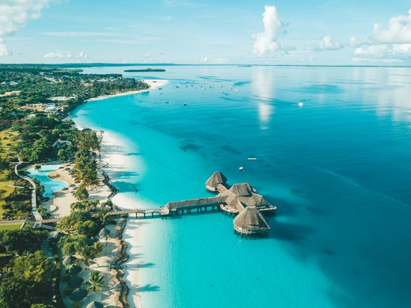 6. ZanzibarMeskipun masuk dalam wilayah Tanzania, Zanzibar memiliki sejumlah keunikan yang membedakannya dengan Tanzania. Zanzibar punya budaya, pandangan politik, agama, makanan dan gaya hidupnya tersendiri. Selain dikenal punya pantai-pantai yang menawan, Zanzibar juga dikenal sebagai tempat lahir vokalis Queen, Freddie Mercury. (Foto: iStock)