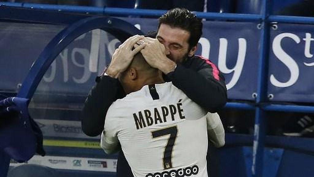 Mbappe Sedih Saat Buffon Tinggalkan PSG