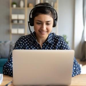 Kuliah Online Penuh Drama, Para Mahasiswa Ini Tetap Dapat Nilai Memuaskan