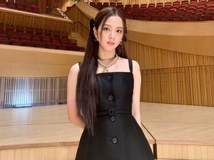 Jisoo Blackpink Jadi Inspirasi Koleksi Terbaru Dior, Intip Deretan Busananya