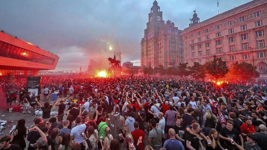 Liverpool Kecam Ulah Fans yang Rayakan Pesta Juara di Saat Pandemi