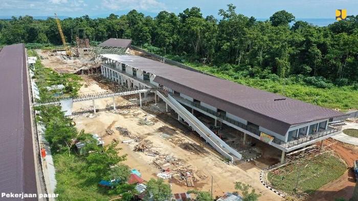 Pengembangan sarana dan prasarana penunjang Pos Lintas Batas Negara (PLBN) Terpadu Skouw di Distrik Muara Tami, Kota Jayapura terus berjalan. Lihat  yuk.