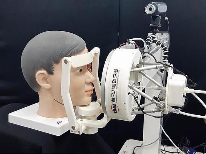Robot Tes Swab Corona dari Korea