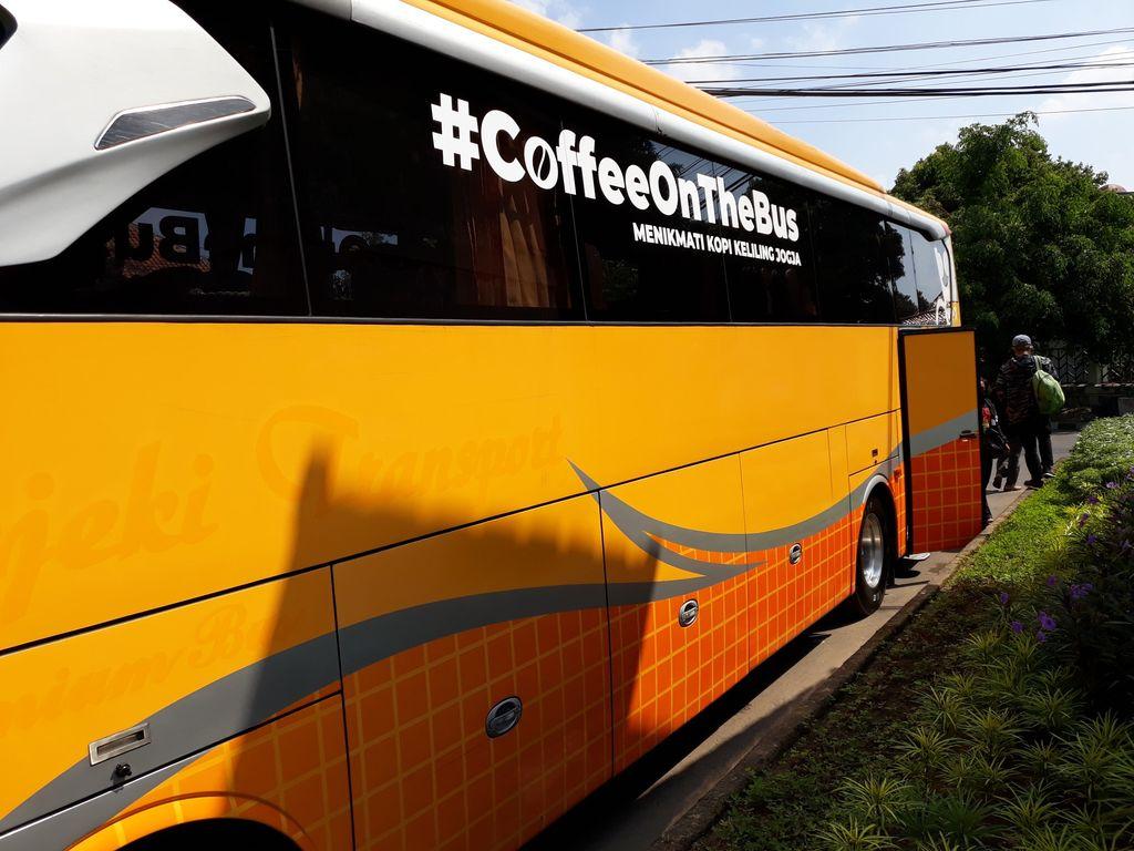 CoffeeOnTheBus