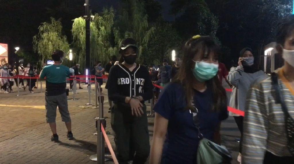 Video: GBK Masih Ramai Diserbu Pengunjung di Malam Hari