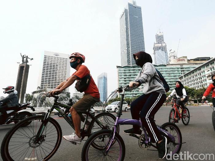 Kegiatan Car Free Day (CFD) di Sudirman-Thamrin, Jakarta, Minggu (28/06/2020), ditiadakan. Tetapi jalur sepeda sementara (pop up bike lane) tetap dibuka.