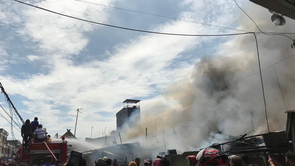 Si Jago Merah Ngamuk, Belasan Rumah Warga di Makassar Ludes