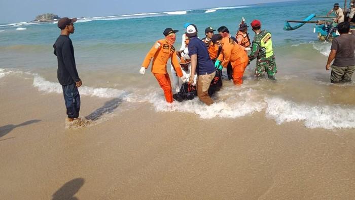Mahasiswa Bogor yang terseret ombak pantai Sawarna ditemukan tewas