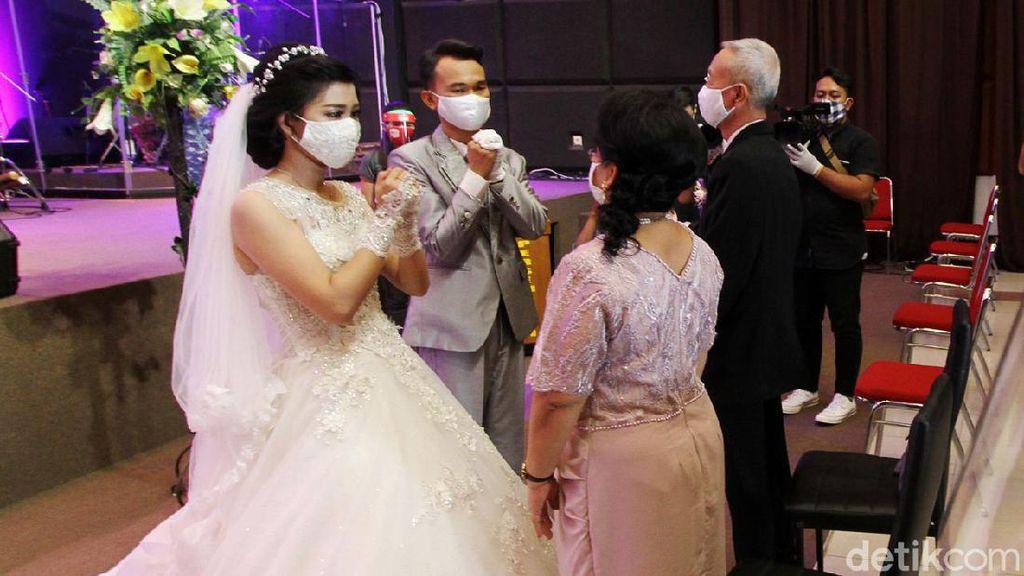 Pemberkatan Nikah dengan Protokol Kesehatan di Solo
