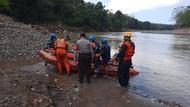 Jasad Pemancing yang Tenggelam di Sungai Ciwulan Tasik Ditemukan