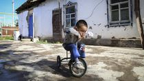 China Tekan Populasi Etnis Uighur Lewat Kontrasepsi-Aborsi
