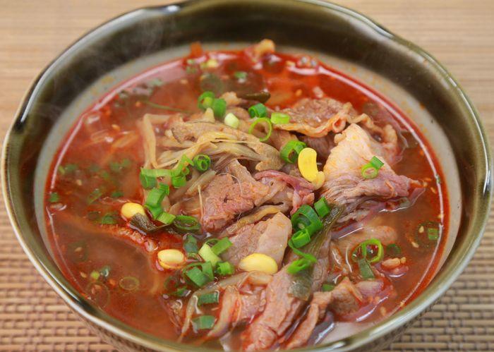 5 Makanan yang Disajikan Saat Perayaan di Korea