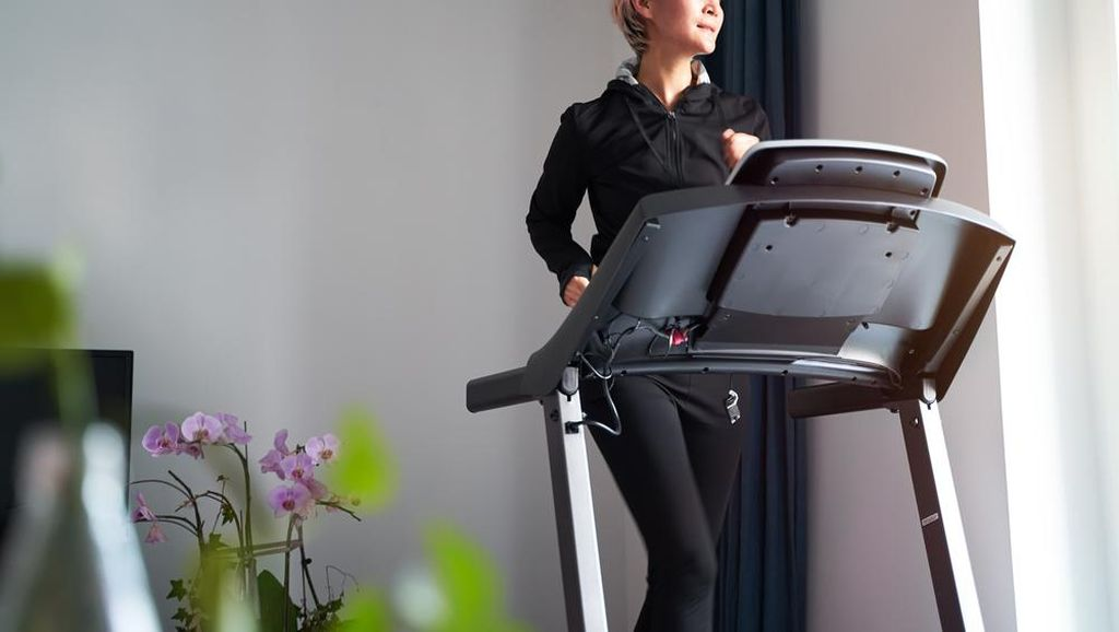 Daftar Olahraga Efisien dan Sehat Sebelum Berangkat ke Kantor