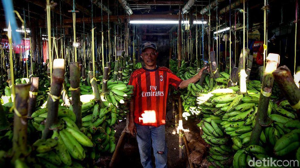 Omzet Pedagang Pasar Kemiri Muka Turun Drastis
