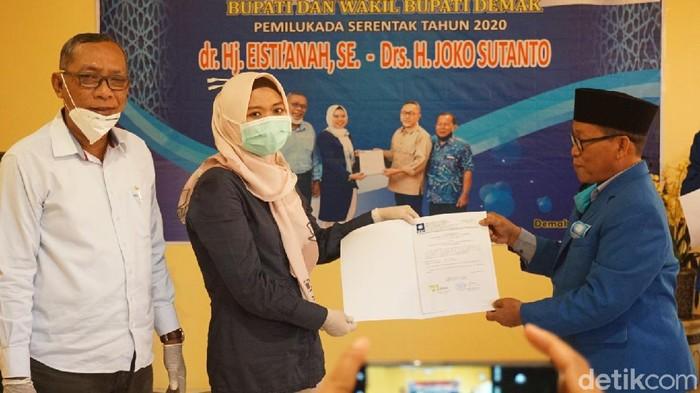 Penyerahan dukungan PAN ke pasangan bakal cabup-wabup Demak Eisti-Jos, Senin (29/6/2020)