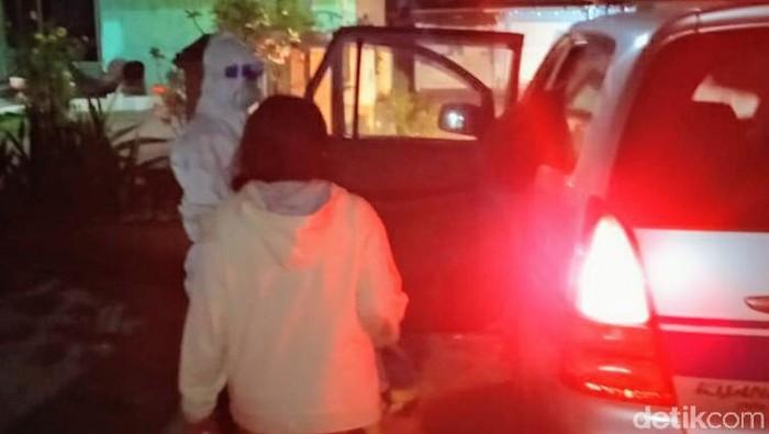 proses evakuasi pasien saat dibawa ke rumah sakit