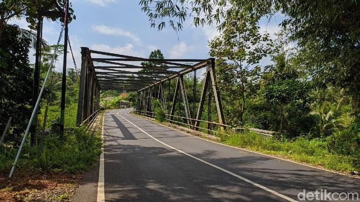 Simpang Imbanagara lokasi dialihkannya kendaraan berat dan barang yang masuk Ciamis. Tak akan lahi masuk wilayah perkotaan.