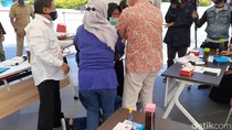 Update Corona Surabaya, Jatim: Kasus Naik, Risma Sujud, Data Perawat Meninggal