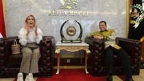 Nge-Vlog bareng Jesica Iskandar, Ketua MPR Sosialisasikan 4 Pilar