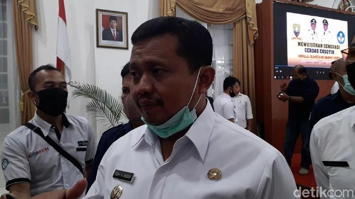 Bupati Sumedang Dony Ahmad Munir