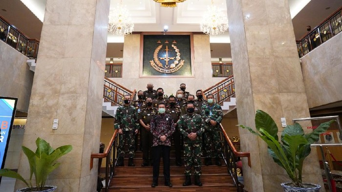 Kepala Staf Angkatan Laut (KSAL) TNI Laksamana (TNI) Yudo Margono mendatangi Kejaksaan Agung (Dok. Istimewa)