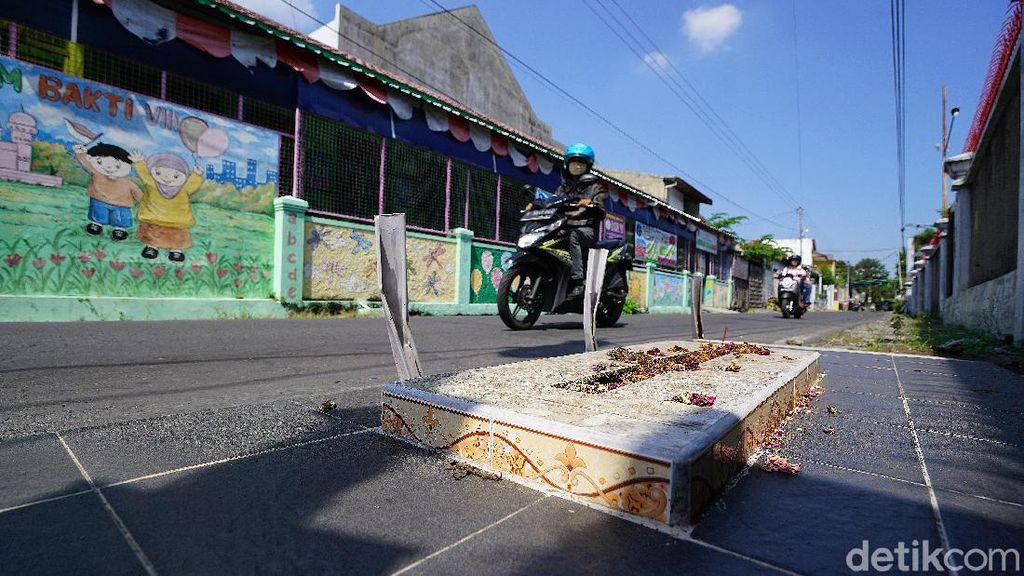 Makam-makam Tak Biasa di Jalanan Solo