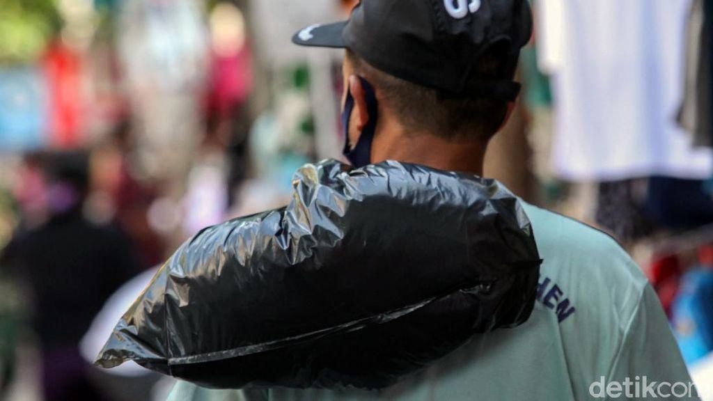 Pangkal Masalah Pedagang Ibu Kota Belum Move On dari Plastik