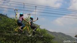 Wisata Ekstrem di The Lodge Maribaya Bandung, Berani Coba?