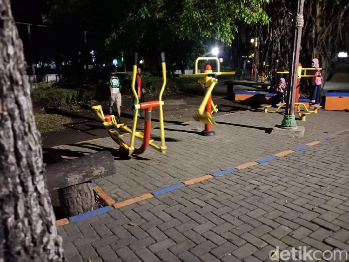 Viral Alat Olahraga di Jombang Bergerak Sendiri
