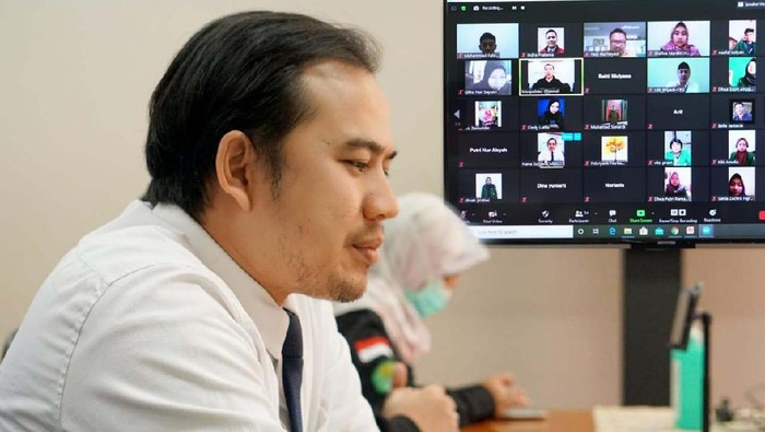 Mahasiswa Universitas Muhammadiyah Prof Hamka, Jakarta, mengikuti program literasi perbankan syariah. Mereka melakukan kunjungan vitual ke Bank Mandiri Syariah.