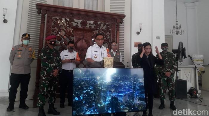 gubernur dki jakarta anies baswedan mengumumkan psbb transisi di jakarta diperpanjang 14 hari ke depan m ilman nafiandetikcom 169