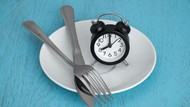 Cara Tepat Ikuti Intermittent Fasting, Pola Makan yang Bisa Bikin Turun BB