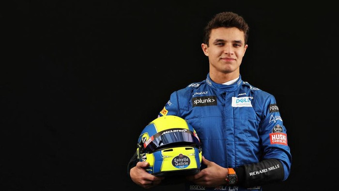 MELBOURNE, AUSTRALIA - MARCH 12: Lando Norris of Great Britain and McLaren F1 poses for a photo in the Paddock during previews ahead of the F1 Grand Prix of Australia at Melbourne Grand Prix Circuit on March 12, 2020 in Melbourne, Australia. (Photo by Robert Cianflone/Getty Images)