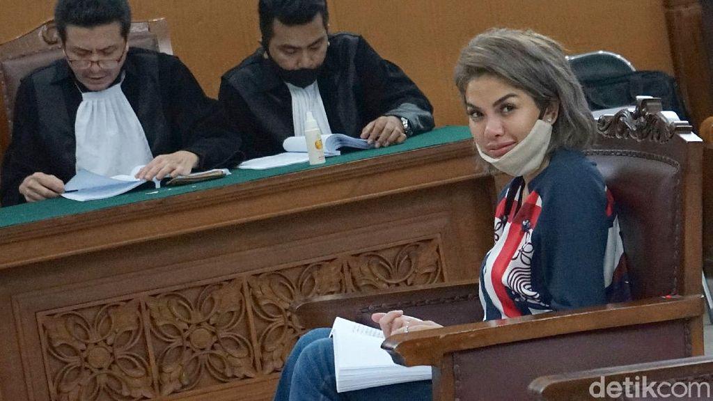 Nikita Mirzani Hadapi Vonis Dugaan Penganiayaan Dipo Latief Hari Ini