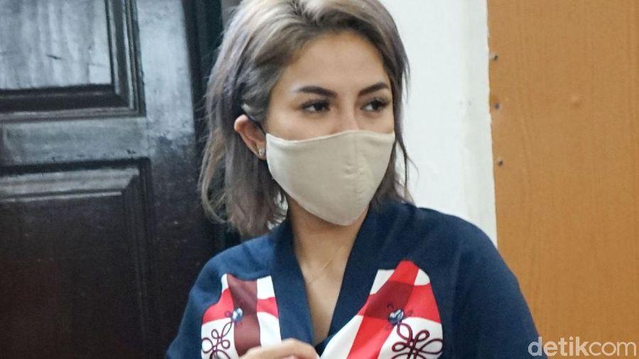Nikita Mirzani saat ditemui di PN Jakarta Selatan.