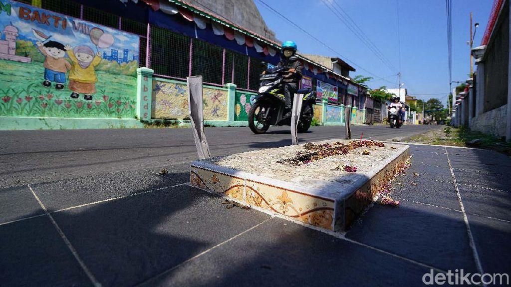 Makamnya Ada di Pinggir Jalan Solo, Siapakah Mbah Precet?