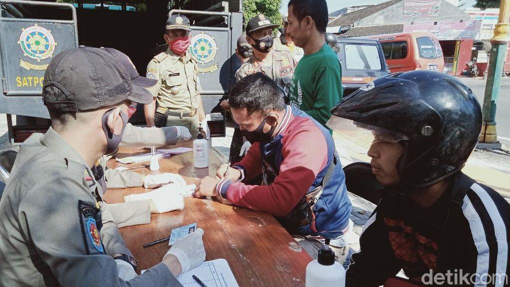 Terciduk Razia Masker di Klaten, 67 Orang Kena Setrap