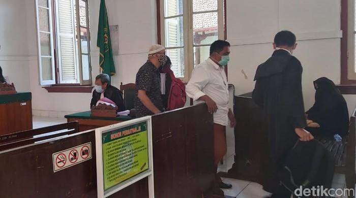 Suasana sidang tuntutan kasus korupsi dana PAUD Kabupaten Bone di PN Makassar (Zulkifli Nasir/detikcom)