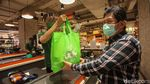 Supermarket Kini Sediakan Kantong Belanja Ramah Lingkungan