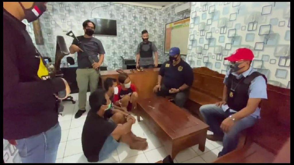 Polisi Purwakarta Bekuk Komplotan Spesialis Pembobol Tempat Karaoke