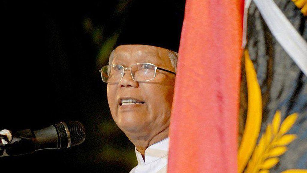 Hilmi Aminuddin Diduga Terpapar Corona dari Mantri Langganan Keluarga