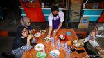 Yuuk! Makan Siang di Warung Tenda BNI
