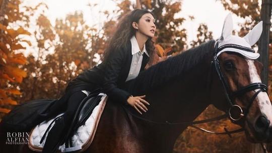 7 Artis Cantik Indonesia yang Hobi Berkuda