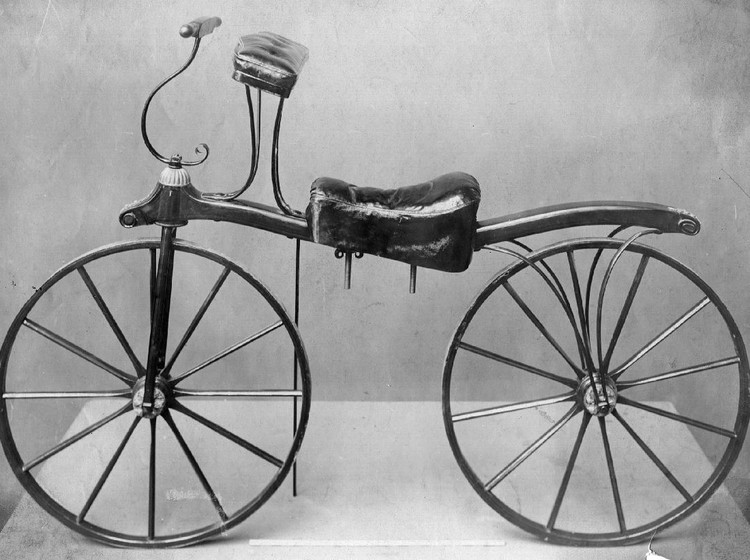 circa 1900: An early bicycle, in the collection of the Victoria & Albert Museum, London. (Photo by Hulton Archive/Getty Images)