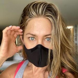 Balasan Menohok Jennifer Aniston Usai Dikritik Jauhi Teman yang Anti Vaksin