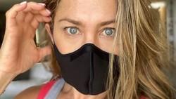 Jennifer Aniston Posting Foto Pakai Masker, Dapat 5 Juta Like dalam 10 Jam