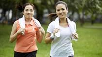 Mau Tetap Lincah Saat Masuk Usia 40-an? Yuk Mulai Latihan Fisik!