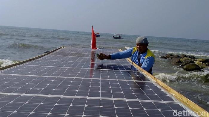 Kapal nelayan bertenaga surya di Kota Pekalongan, Kamis (2/7/2020).